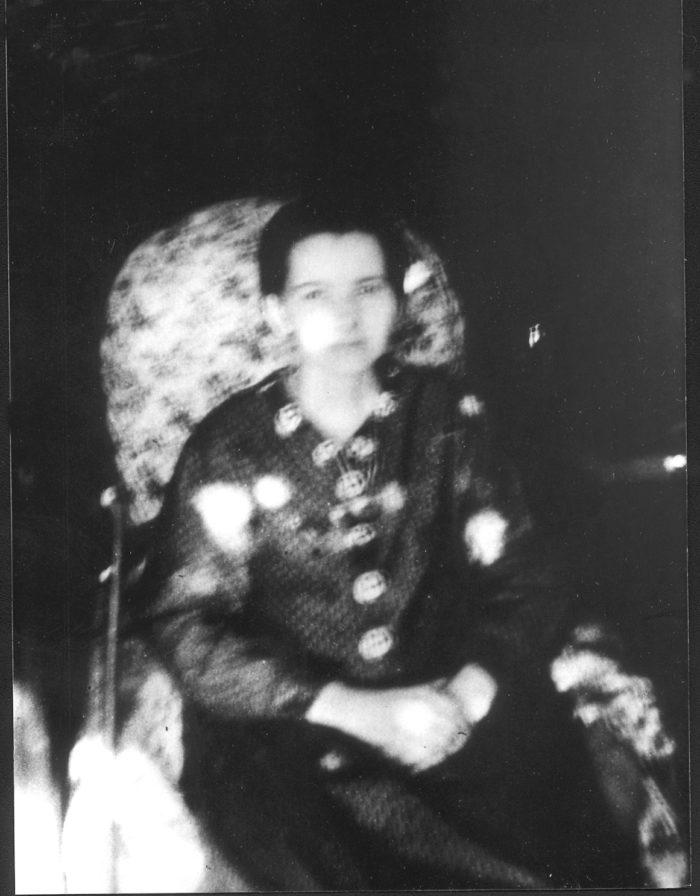 Marthe Robin à 24 ans, dans son fauteuil