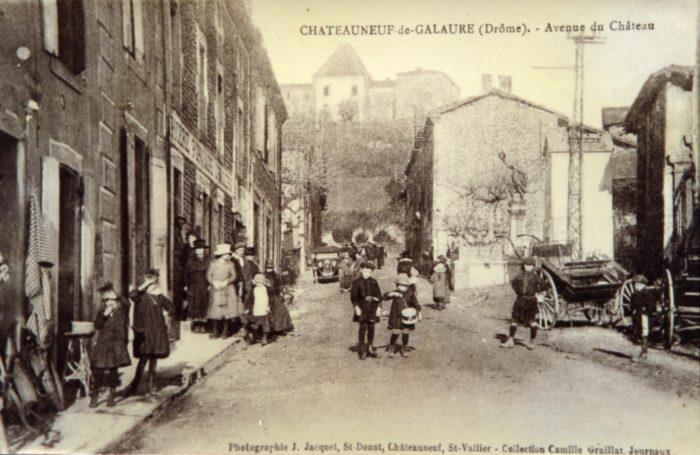 Châteauneuf-de-Galaure en 1934, avenue du château