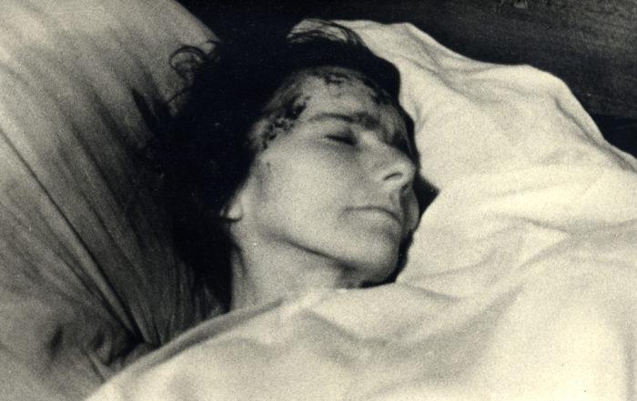 Marthe Robin, en extase après avoir communié